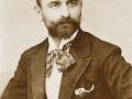 Josip Giuseppe Modrić- (aktivan od 1881. do drugog desetljeća 20. stoljeća) pisac knjiga putopisa o različitim zemljama i krajevima