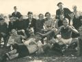 Poluvrijeme utakmice protiv Biograda 30-ih godina, igrači Desnica Đ. i Desnica D. (privatna zbirka M. Bakočević iz Zadra)
