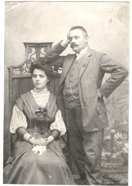 Brkic-Stevan-i-Milica-rodj-Kovacevic-1906-fotografija-sa-veridbe-Zbirka-dr.-Srđana-Brkića-iz-Beograda-1-min