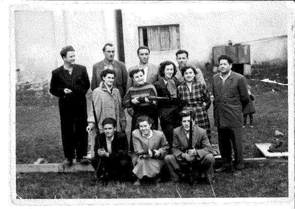 Streličarski-klub-u-Obrovcu-v.alavanja-d.-badza-d.-i-đ.-jokić-đ.-desnica-40-tih-godina-min